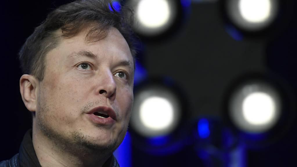 Beeinflusst mit seinen Aussagen den Bitcoin-Kurs: Tesla-Boss Elon Musk auf einem Bild vom März.