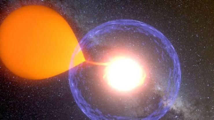 Künstlerische Darstellung eines Nova-Ausbruchs: Ein Weisser Zwerg saugt Materie von seinem Begleitstern ab und speichert diese Masse an seiner Oberfläche bis der Gasdruck extrem hoch wird. Erstmals konnte der Prozess von Anfang bis Schluss beobachtet werden. (zVg)