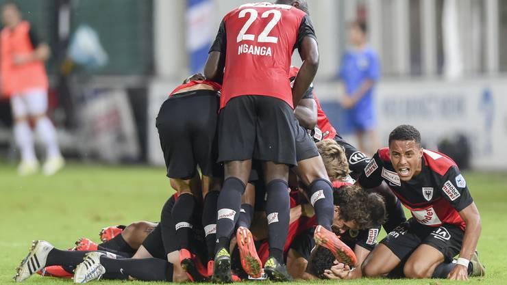 Die Freude über den ersten Saisonsieg ist riesig bei den Aarauern.