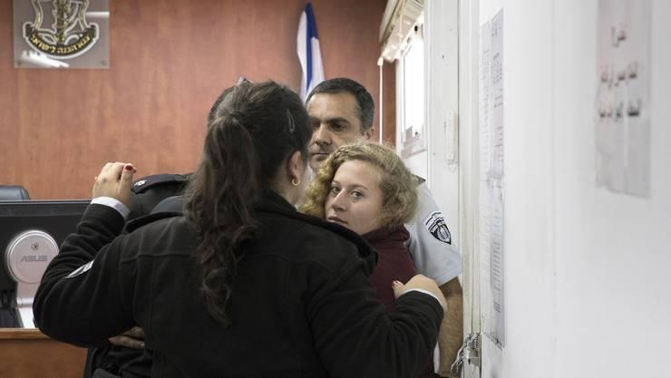 Die 16-jährige Ahed Tamimi wurde im Dezember 2017 zusammen mit ihrer Mutter und einer Cousine festgenommen.