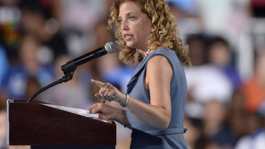 Soll zu deutlich Partei ergriffen haben zu Gunsten von Hillary Clinton: US-Demokraten-Chefin Debbie Wasserman Schultz.
