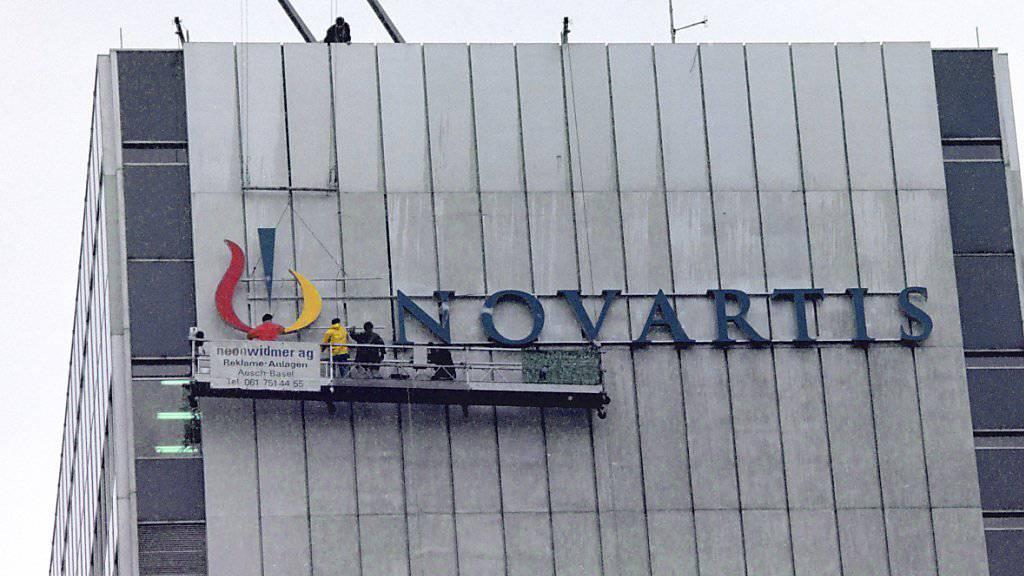 Novartis baut sich um: Aus der bisherigen Pharmasparte werden zwei Divisionen, eine für das Krebsgeschäft und eine für die restlichen Medikamente. (Archivbild)