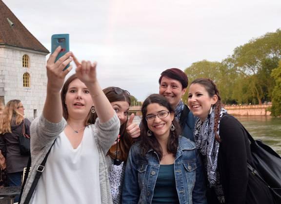 Selfie gefällig - Die Jugend findet ihren Platz am Märetfescht
