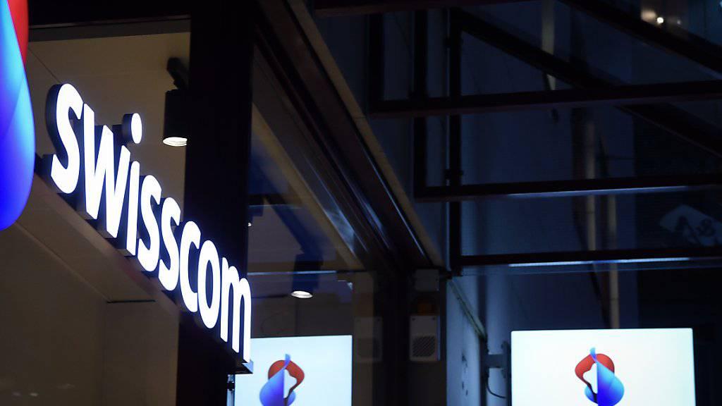 Zu viel bezahlt? Die Swisscom lässt abklären, inwieweit sie vom Unterengadiner Bauabsprachen-Skandal betroffen ist.