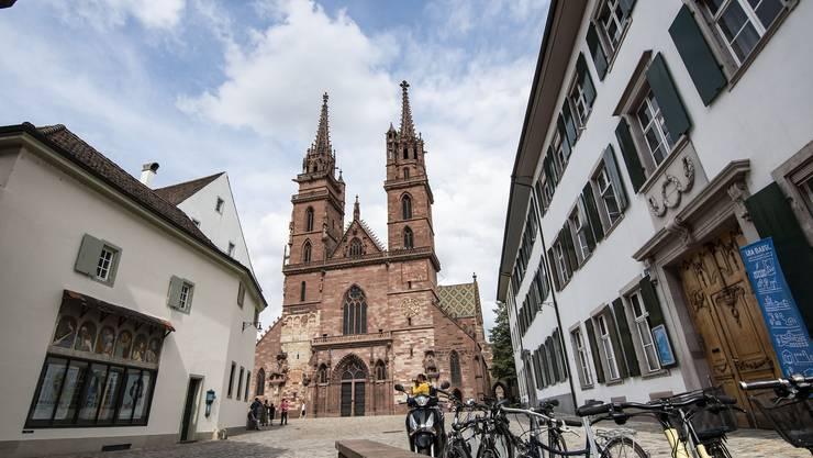 Das Münster, Hauptkirche der Evangelisch-reformierten Kirche Basel-Stadt. Auch für sie hat die freiwillige Abgabe der Steuerhoheit per kommendes Jahr finanzielle Konsequenzen.