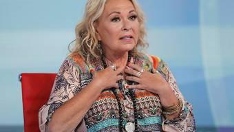Der amerikanische Sitcom-Star Roseanne Barr: Sie hatte einen rassistischen Tweet abgesetzt; deshalb liessen sie die Sitcom-Macher an einer Opiate-Überdosis sterben. (Archivbild)
