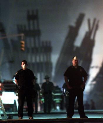 Polizisten halten Wache