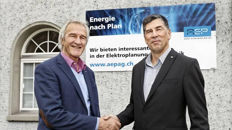 Firmengründer und Verwaltungsratspräsident Hanspeter Pfäffli (links) und der neue Geschäftsführer der Aare Elektroplan AG, Markus Thiele.