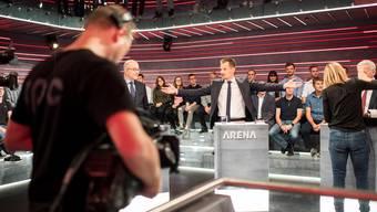 Die Redaktion von «Arena»-Moderator Jonas Projer lässt keine Gäste zu, die gegen die Parole ihrer Partei antreten.