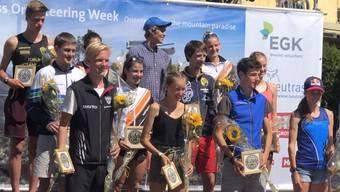Eline Gemperle (M.) siegt auch in der Schweiz. Auch Lilly Graber (2. v.r.) überzeugt und geht als Siegerin D 18 hervor.
