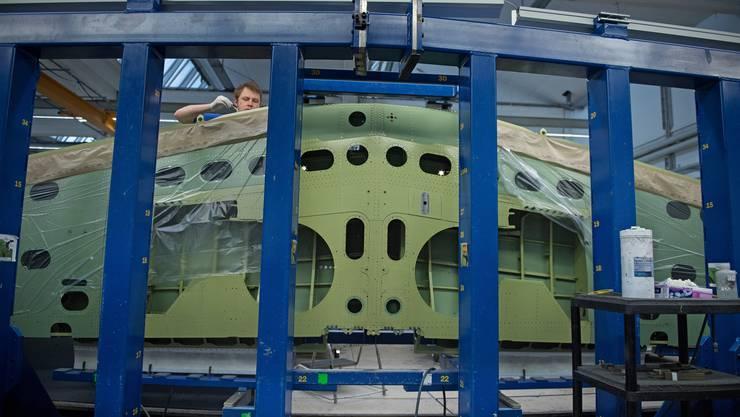 Im Flugzeugstrukturbau am Standort Emmen sieht die Auftragslage etwas düster aus.