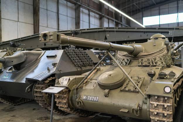 In der Panzerhalle finden sich ausschliesslich Militärfahrzeuge.