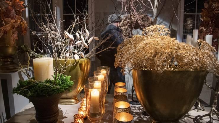 Im Sommer haben die Floristinnen begonnen, die aufwändigen Kreationen der Ausstellung aufzubauen.
