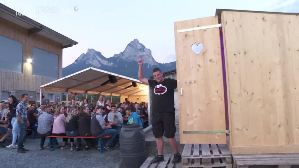 Im Kanton Schwyz wurde der grösste Kack-Haufen gesucht