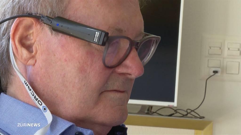 Hightech-Lesehilfe gibt Sehbehinderten etwas Lebensqualität zurück