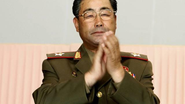 Der bisherige Verteidigungsminister Kim Jong Gak hat ausgedient (Archiv)