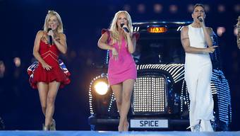 """Die Spice Girls 2012 bei der Abschlusszeremonie der Olympischen Spiele in London: 2019 gehen sie auf Comeback-Tour - allerdings ohne Gründungsmitglied Victoria """"Posh Spice"""" Beckham. (Archivbild)"""
