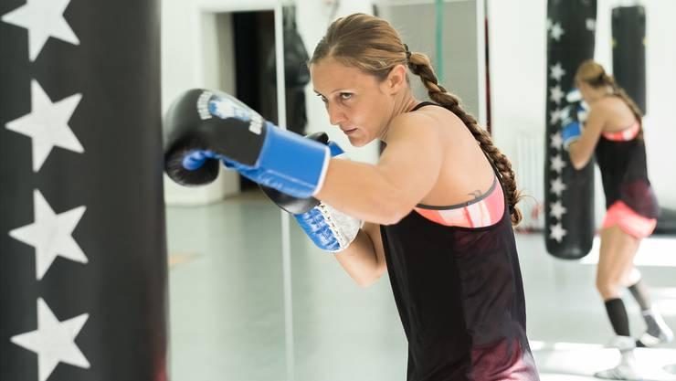 Die schweizerisch-jamaikanische Boxerin Sarah-Joy Rae trainiert im Frauenbox-Team Basel. 2012, 2015 und 2016 siegte sie in an der Schweizer Meisterschaft in ihrer Gewichtsklasse (–54 Kilogramm).