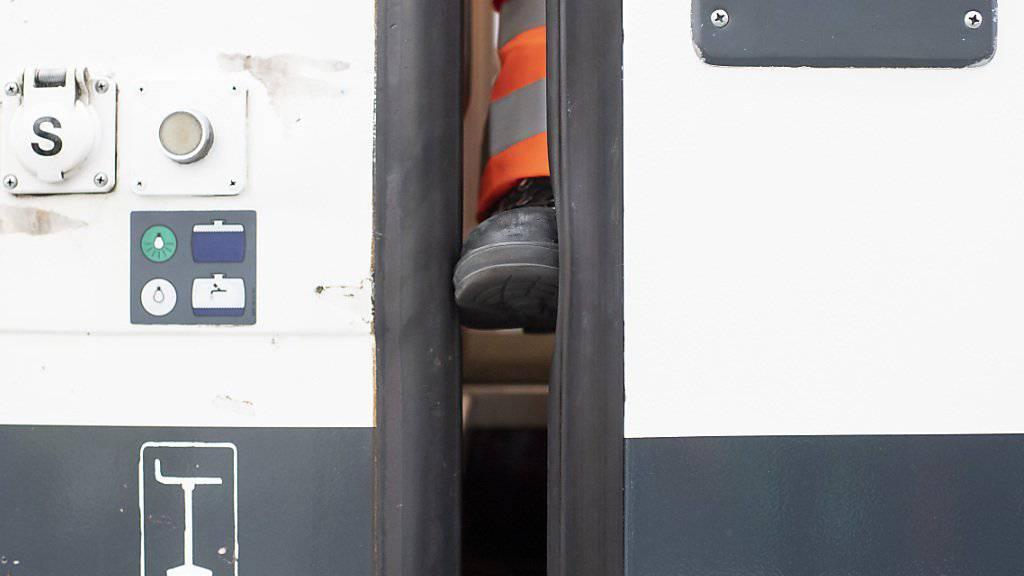 Beim Einklemmschutz der Türen des SBB-Einheitswagens IV besteht gemäss der Sicherheitsuntersuchungsstelle Sust ein «Sicherheitsdefizit». (Archivbild)