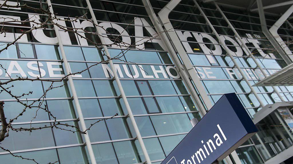 Der Steuerstreit zwischen Frankreich und der Schweiz um den EuroAirport Basel-Mulhouse ist beigelegt. Die Details der Einigung sind aber noch unklar. (Archiv)