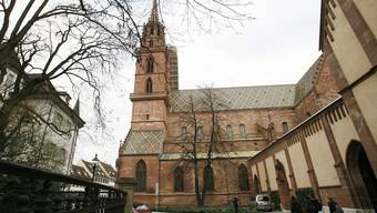 Der Münsterplatz soll gänzlich mit Wackensteinen bepflastert werden.