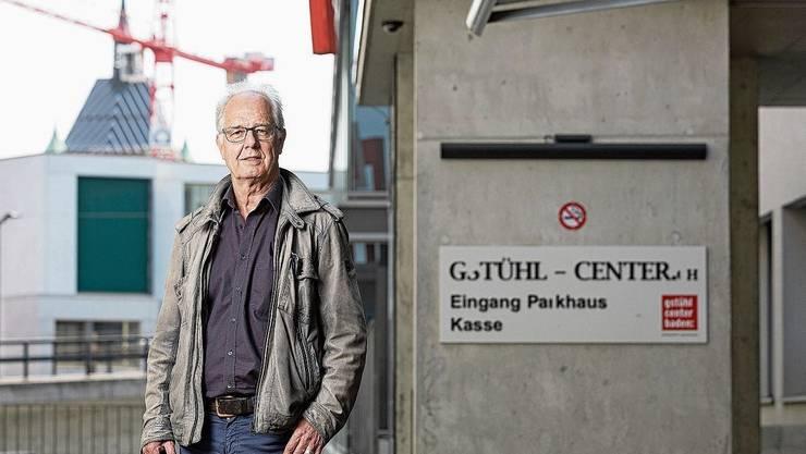 Reto Bertschi vor seinem jahrelangen Arbeitsplatz im Gstühl-Center in Baden.