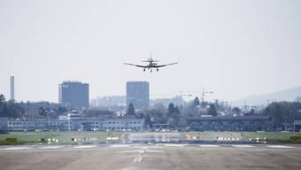 Die Gemeinden rund um den Flugplatz Dübendorf wehren sich gegen den Bund.