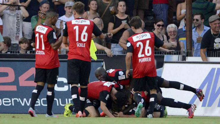 Grosser Jubel nach dem 1:0 von Sandro Burki.