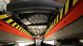 Bei der Fahrzeugkontrolle im Aargau – hier beim Strassenverkehrsamt – liegt die Priorität auf älteren Autos.