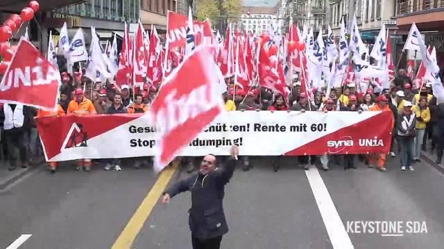 Über 4'000 Bauarbeiter streiken