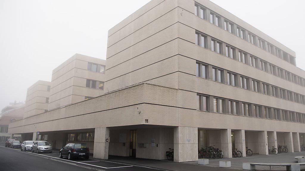Am Regionalgericht Berner Oberland in Thun ist am Mittwoch ein 74-jähriger Italiener wegen eines brutalen Überfalls auf eine Thuner Bijouterie verurteilt worden.