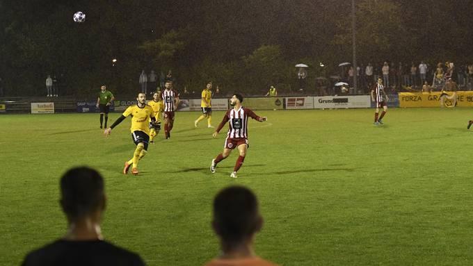 Damit Fussball auch in der Coronazeit gespielt werden kann, ist es wichtig, dass sich die Zuschauer an die Konzepte halten.
