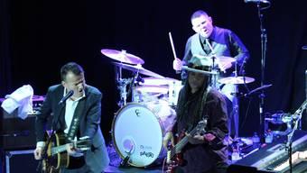 Mit Bluesmusiker Philipp Fankhauser (l.) – hier mit Bassist Angus Thomas – kam eine nationale Grösse nach Balsthal.