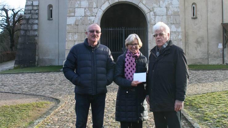 Bei der Checkübergabe: Jörg Bühler, Silvia Meier und Bruno Haas (v.l.).