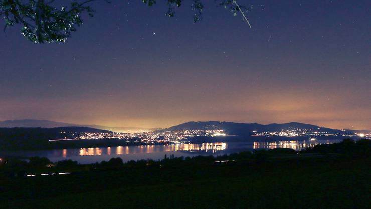 Hallwilersee by night