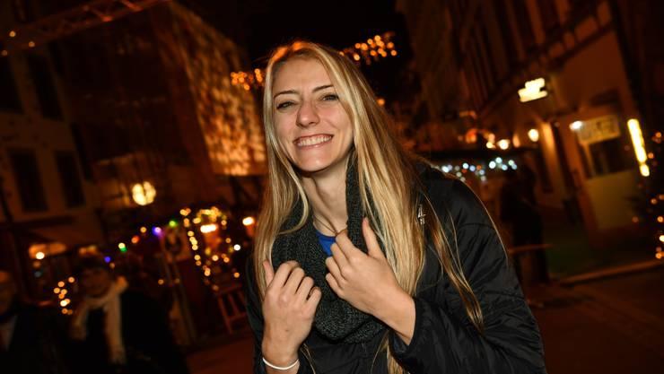 Hat stets ein Lachen auf den Lippen: Sm'Aesch-Pfeffingens neue US-Amerikanerin Taylor Fricano, hier in der Adventsgasse im Kleinbasel.