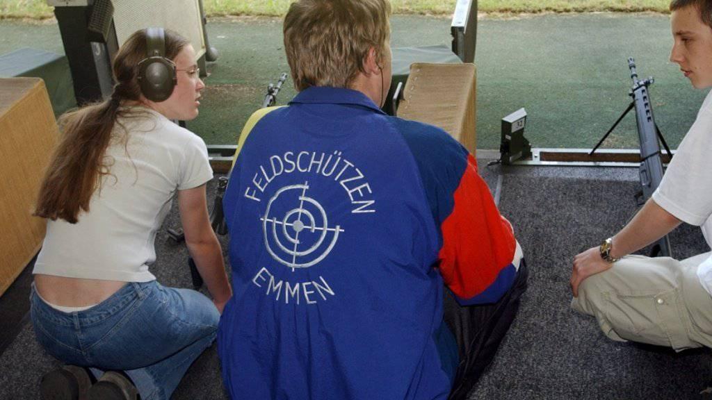 Ab nächstem Jahr können schon 15-Jährige den Jungschützenkurs besuchen. (Archivbild)