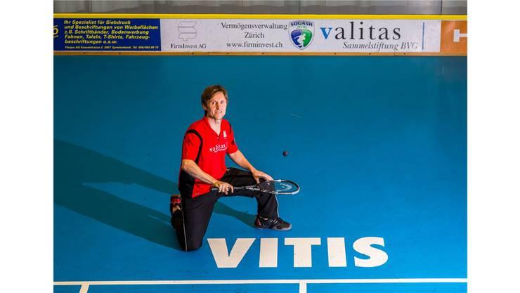 John Williams auf dem Centre-Court im Sportcenter Vitis Schlieren.