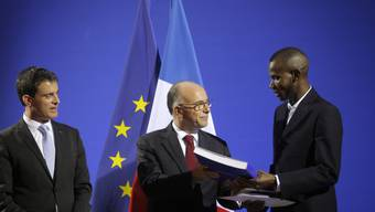 Valls, Cazeneuve und Bathily