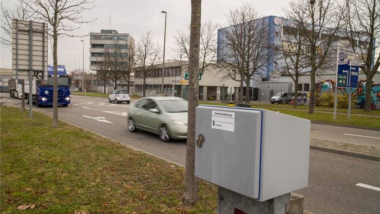 Von den 30 Verkehrszählungs-Kästen wie dieser an der Basler Schlachthofstrasse war im letzten Jahr jeder dritte defekt oder ausser Betrieb.