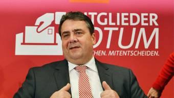 Sigmar Gabriel wirbt um Zustimmung zum Koalitionsvertrag (Archiv)