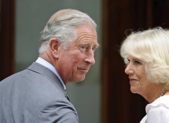 Spätes Glück mit Camilla. Am 9. August 2005 heiratete Prinz Charles in Windsor seine Jugendliebe Camilla Parker Bowles.