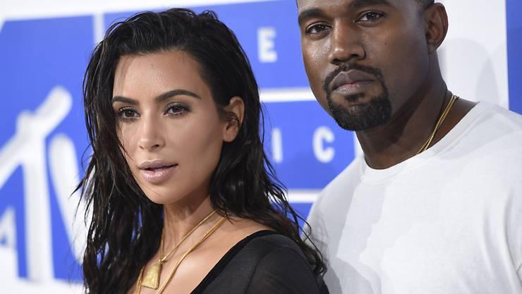 Kim Kardashian und der US-Rapper Kanye West erwarten laut Medienberichten ein weiteres Kind. (Archivbild)