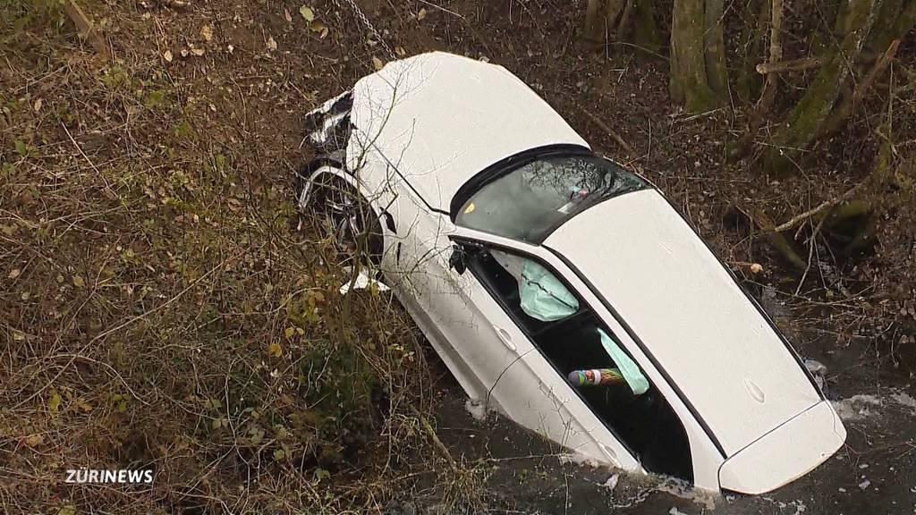 Unfall in Henau (SG): Autofahrerin hatte grosses Glück