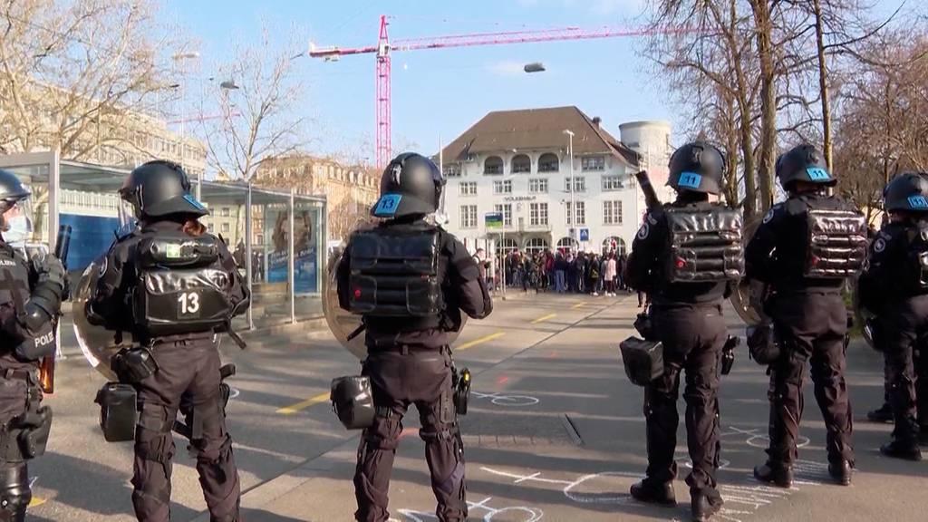 Verwaltungsgericht beurteilt Demo-Einschränkungen als unverhältnismässig