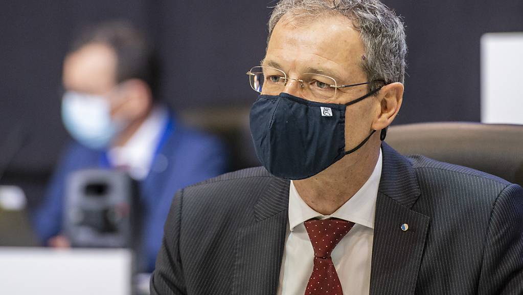 Der Luzerner Finanzdirektor Reto Wyss muss Härtefallgeld für grosse Firmen aus der Kantonskasse zahlen, der Bund erstattet das Geld dann zurück. (Archivbild)