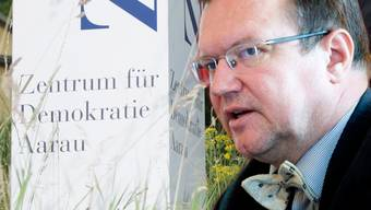 Das Zentrum für Demokratie Aarau nimmt Claude Longchamp einen Grossauftrag weg.