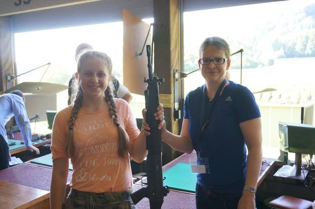 Elisabeth Veit aus Geroldswil mit Instruktorin Nathalie Frei