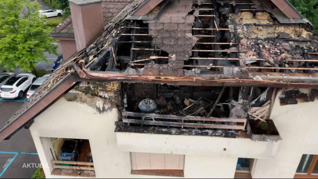 Gasgrill-Brand in Sins: Zwei Wohnungen unbewohnbar