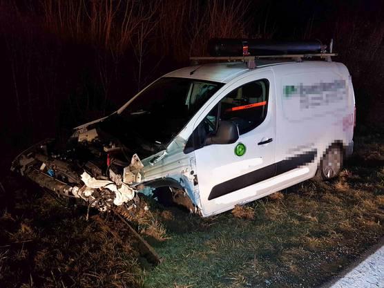 Oberentfelden AG, 19. Februar: Am Wagen entstand Totalschaden.